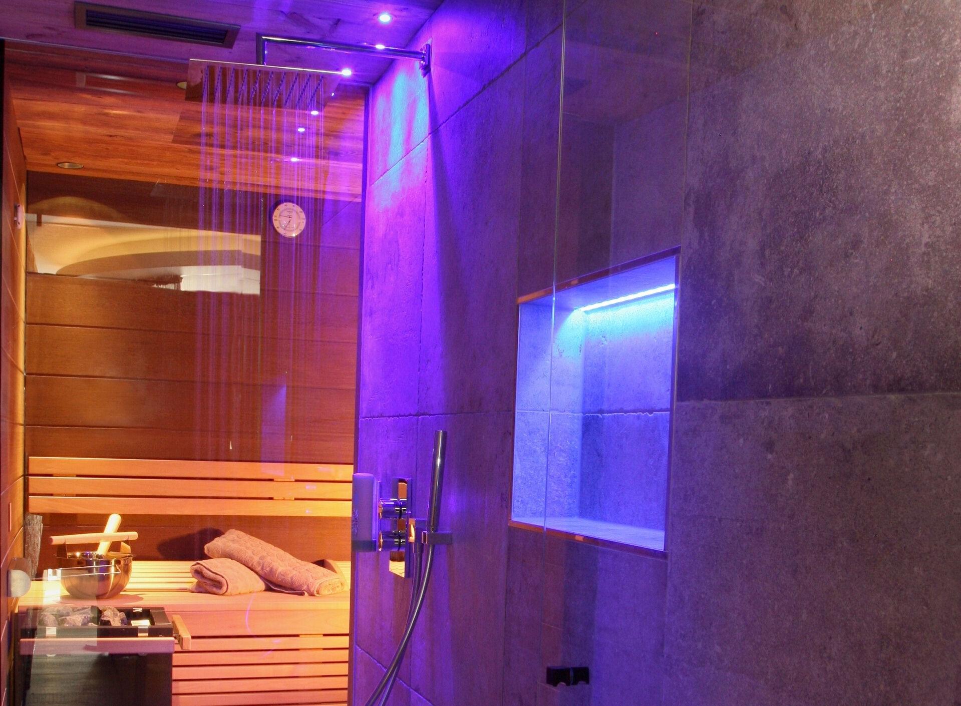 loveness suite mit sauna und whirlpool f r zwei im wellnesshotel bayerischer wald. Black Bedroom Furniture Sets. Home Design Ideas