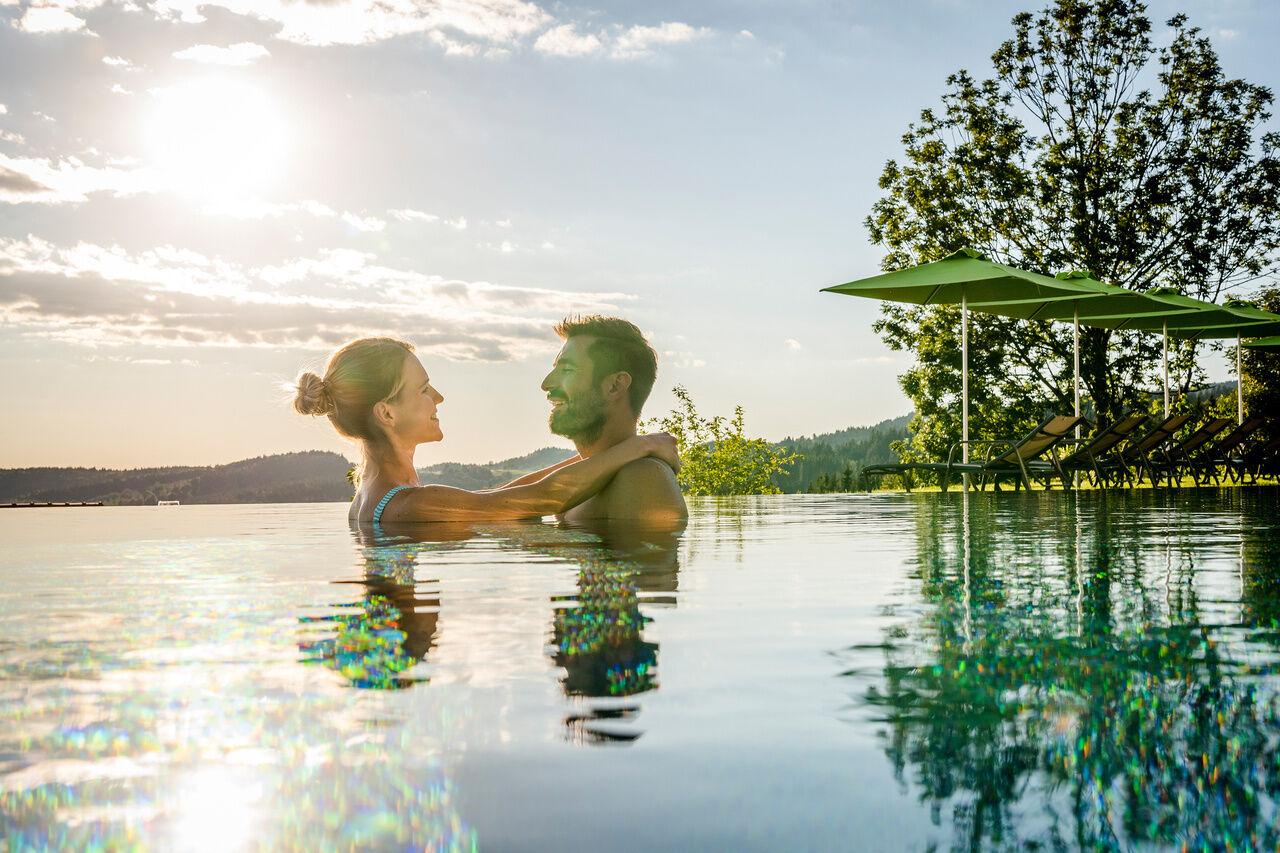angebote 4 sterne wellnesshotels h ttenhof pauschalen wellness hotel bayerischer wald bayern. Black Bedroom Furniture Sets. Home Design Ideas